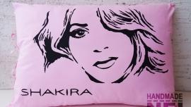 """Рисувана калъфка за възглавница """"Шакира"""""""