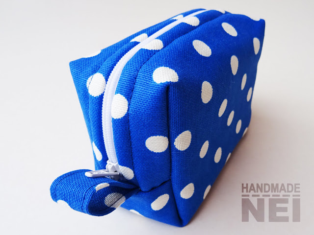 "Малък несесер за етерични масла ""Синьо на точки"" - Handmade Nel"