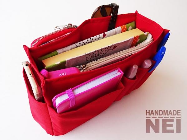 Червен органайзер за дамска чанта